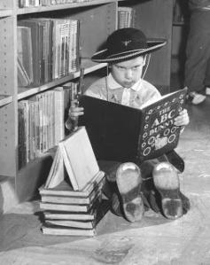 Vintage-Cowboy-Reading-Book